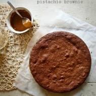 Constans. Dolce e salata. Brownie z solonym karmelem i pistacjami.