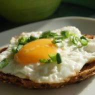Jeszcze ciepłe - jajko w zagródce:)