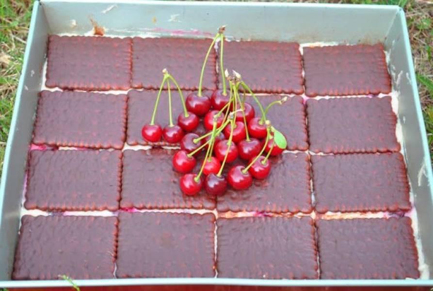 Gotowany sernik z wiśniami (bez pieczenia)