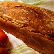 Chleb na zakwasie z suszonymi pomidorami i czarnuszką