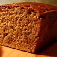 Hardcorowy chleb razowy