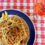 Makaron z pistacjami, oliwkami i suszonymi pomidorami