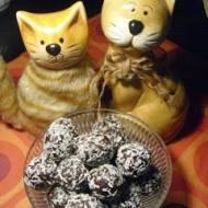 Kasztanki, kakaowe pralinki o smaku migdałowo – kokosowym, z dedykacją dla Babci i Dziadka