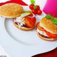 Domowe hamburgery z surówką i kotletami mielonymi z wołowiny