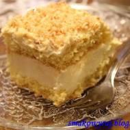 Niebo, czyli biszkoptowe ciasto z złotym kokosem i kremem budyniowym