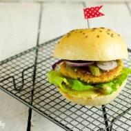 Burger wegetariański z ciecierzycy