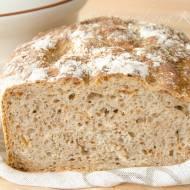 Chleb na zakwasie z prażoną cebulką