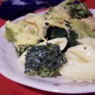 Penne zapiekane z brokułami i sosem śmietanowo-serowym