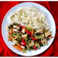 Pierś z kurczaka z warzywami.