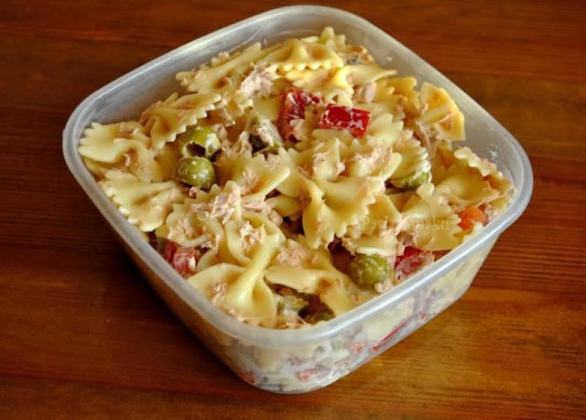 Lunchbox: Sałatka makaronowa z tuńczykiem