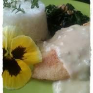 Kurczak z sosem z gorgonzoli, szpinakiem i ryżem jaśminowym