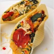 Muszle makaronowe z nadzieniem jajecznym (Conchiglione a'la tortilla)