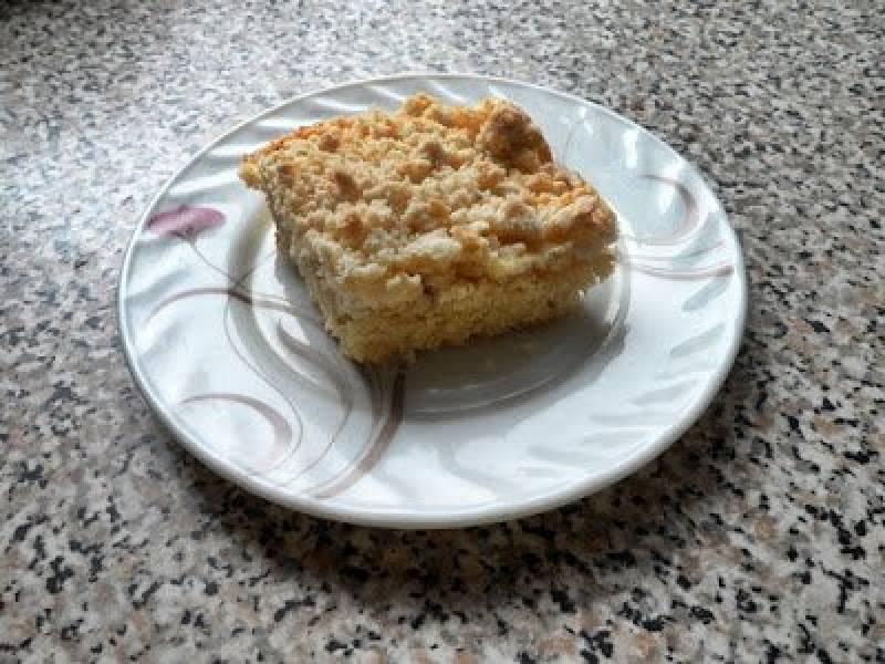 Ciasto bananowe z brzoskwiniową pianką.