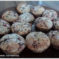 Muffiny owsiane z truskawkami i czekoladą