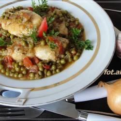Filet z kurczaka w warzywnym sosie
