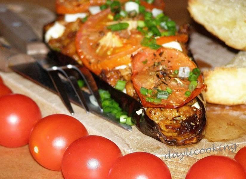 Bakłażan zapiekany z mięsem mielonym i serem feta
