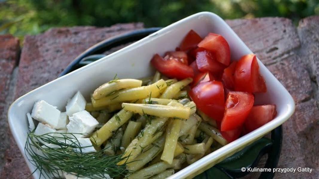 Sałatka: feta, fasolka,  pomidor