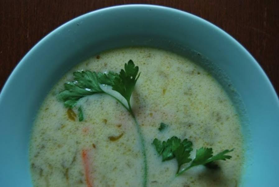 Zupa ogórkowa na maśle