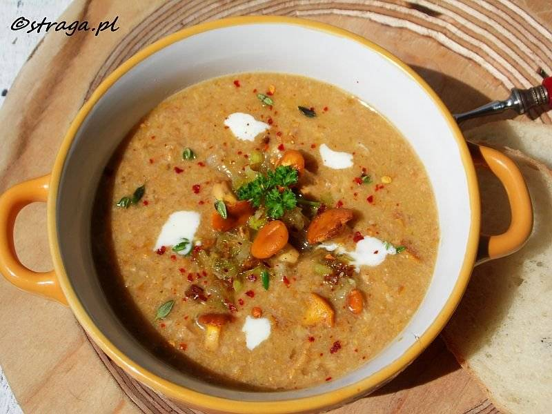 Zupa z kurek z karmelizowanym porem