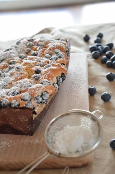 Keks / ciasto na białkach z borówką amerykańską