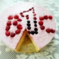 Tort urodzinowy malinowo-poziomkowo-pomarańczowy.