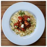 Owcze pulpety w pomidorowym sosie.