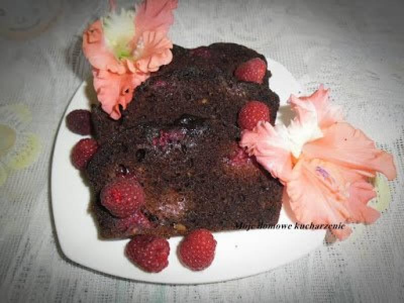 1471. Czekoladowe ciasto z malinami bez jajek