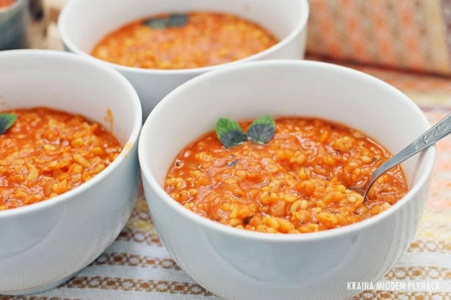 Przepis Na Turecka Zupa Z Czerwonej Soczewicy I Bulguru Z Grzankami