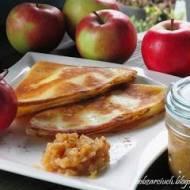 Naleśniki z serem i jabłkami