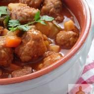 Zupa gulaszowa z wołowymi klopsikami
