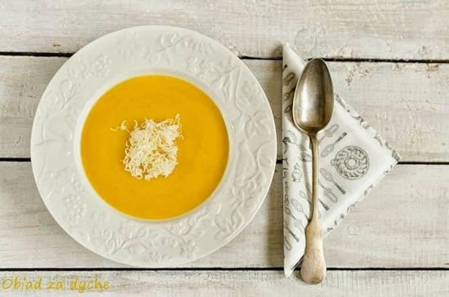 Zupa krem z dyni, z mlekiem kokosowym