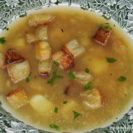 Zupa czosnkowa z ziemniakami ( Česneková polévka )