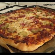 Pizza na chrupiącym, cienkim cieście :)