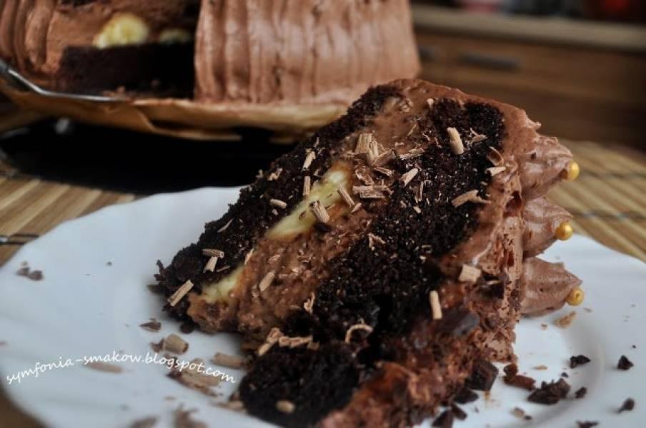 8. Słodko, słodko, bardzo słodko, czyli mocno czekoladowy tort z bananami