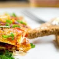 Omlet z chorizo i czerwoną papryką. /  Omelette with chorizo and red pepper.