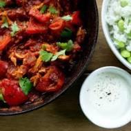 Meksykański gulasz z kurczaka z ryżem i fasolą. / Mexican chicken stew with rice & beans.