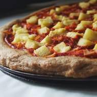 Pizza hawajska na pełnoziarnistym spodzie