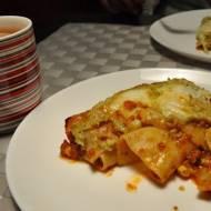 Makaron cannelloni z mięsem mielonym i sosem brokułowym