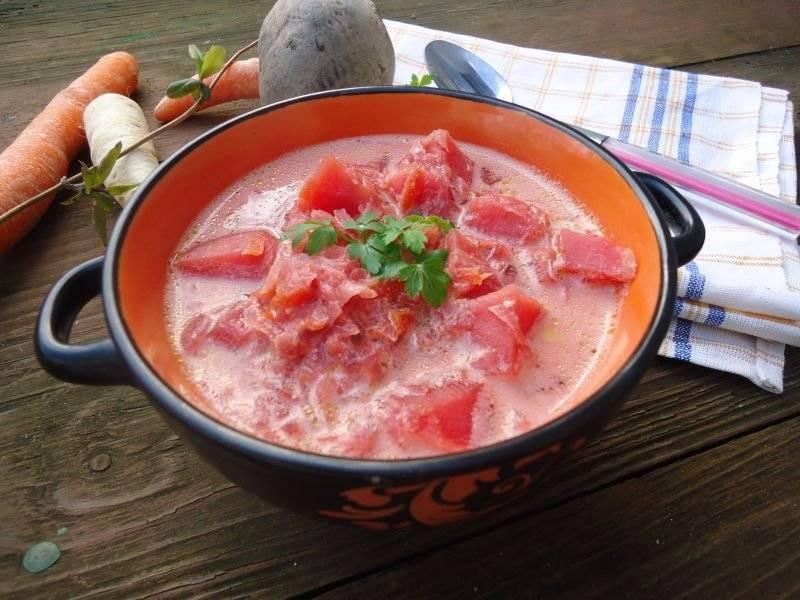 Zapraszam na jedna z ulubionych zup mojej rodziny , smaczna , prosta i syta. Obowiązkowo z dużą ilością śmietany :)