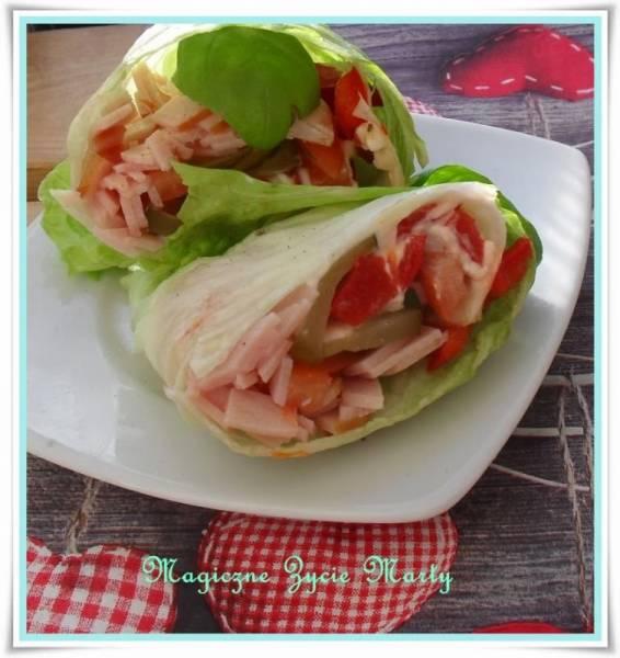16 SANTE znaczy zdrowie - Kebab w sałacie lodowej