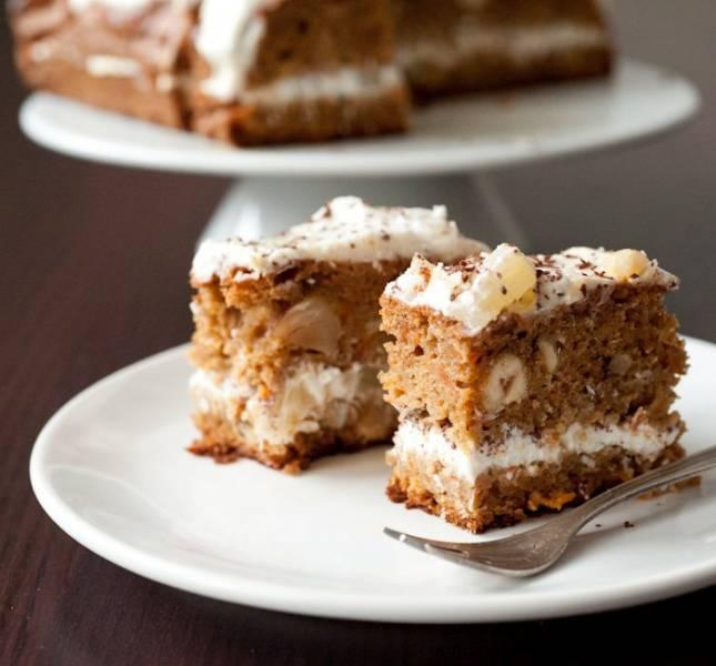 Orkiszowe ciasto marchewkowe z nadzieniem z serka ricotta