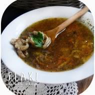 Pikantne flaki w rosole (dršťková polévka)
