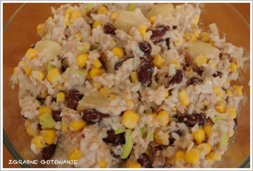 Przepis Na Salatka Z Tunczykiem Ryzem I Ananasem Zgrabne