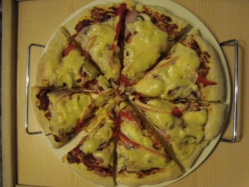 Pizza pieczona na kamieniu