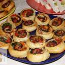 Pikantne roladki z ciasta francuskiego