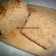 Chleb orkiszowy z ziarnami