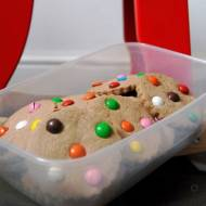 Kakaowe ciasteczka z lentilkami
