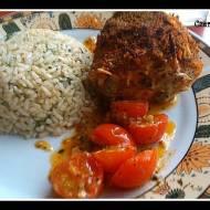 Pierś z kurczaka nadziewana mozzarellą, papryką  i bazylią