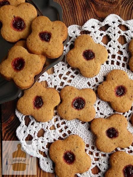 Kruche ciasteczka herbaciane z borówkami