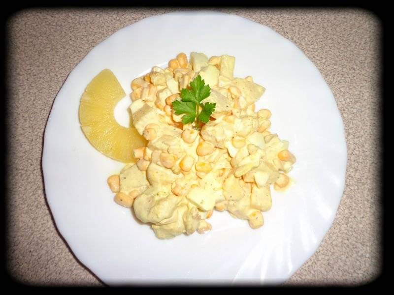Moja metoda na głoda, czyli sałatka z kurczakiem i ananasem